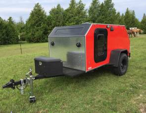 2017 Extreme Tears Teardrop Trailer (Orange)