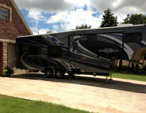 2012 Bighorn Titanium Fifth Wheel