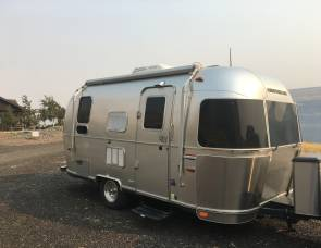 2015 Airstream 19' International Serenity