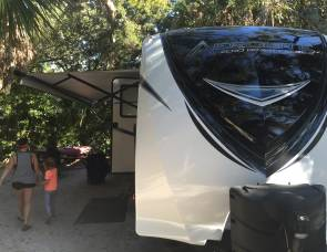 292 DBHS Aerolite travel trailer with bunkhouse