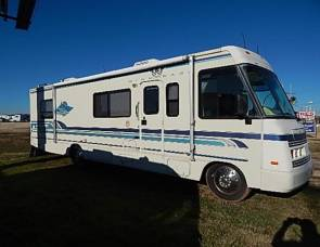 1997 Winnebago Adventurer 32'