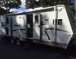 2005 Jayco 28ft. front kitchen