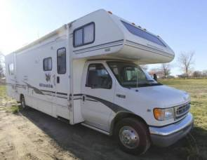 2002 Winnebago Minnie 31C