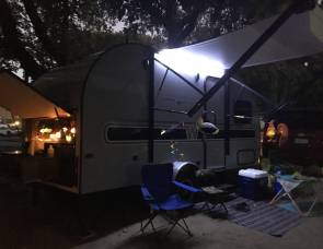 2017 Winnie Drop 170K/Super Light towable by many mini vans, suv/Outdoor Kitchen + Bunk + slide out!