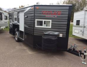 2017 Ice Castle 8x17 outlaw