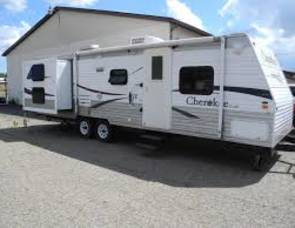 2008 Forrest River Cherokee lite 28A+