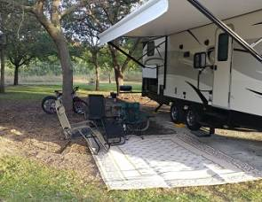 2016 Forest River Vibe 272BHS (Luxury Bunkhouse)