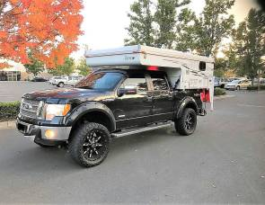 """2006 Truck Camper """"Sierra"""" Fully Outfitted!"""