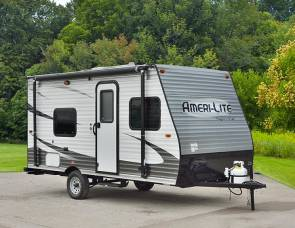 2018 NEW 21 Travel trailer sleeps 6