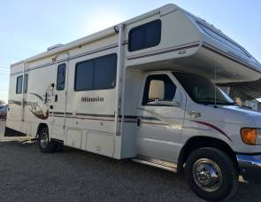 2005 Ford E450 Winnebago Minnie