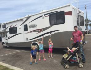2012 Forest River Forester 3171 SLEEPS 10!