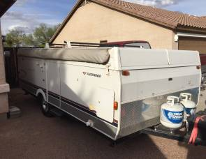 2005 Fleetwood Travel Trailer