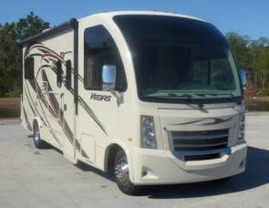 2014 RV 25' - SLEEPS 5 - Easy to Drive & Fun!