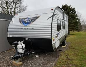 2017 Salem Cruise Lite 196BH - Bunkhouse space and light weight