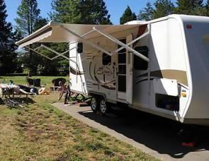 2010 Kz spree 240bh triple bunk beds