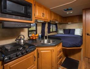 2012 Thor Motor Coach Four Winds Majestic 23A