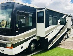 2004 Presidential Suite Fleetwood Discovery 39L