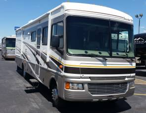 2005 Fleatwood bounder 32w