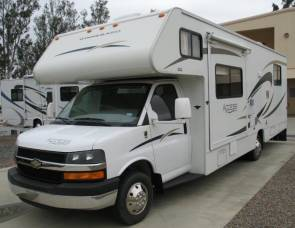 2012 Winnebago Access de Luxe, 25 ft, available August