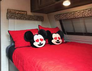 2019 MICKEY's BUNK-HOUSE & FULLY Loaded....