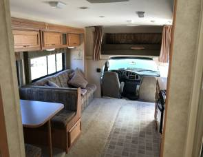 2006 FULLY LOADED Winnebago Motorhome