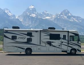 2019 Brand NEW Forest River FR3 32 DS
