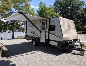 """Cozy"" Coachmen Clipper 17bh"