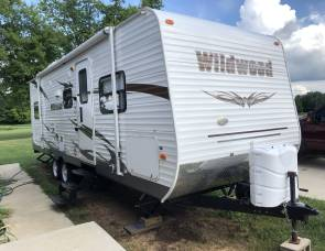 2012 Wildwood by Forest River M-26TBSS with triple bunk beds