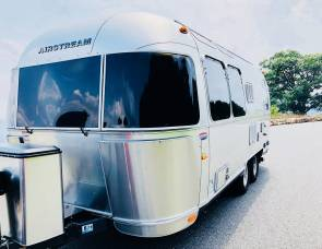 2015 Airstream International Signature 23D