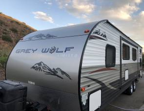 2015 Forest River Grey Wolf Limited 26dbh Sleeps 8-10!