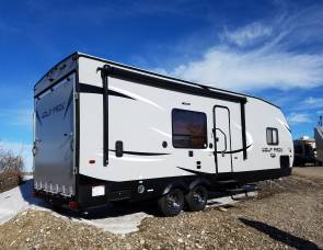 2017 Wolfpack 30' Travel Trailer / Toy Hauler