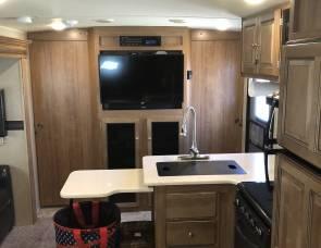 2018 Rockwood 2702WS