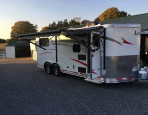 2017 Horse trailer camper Lakota