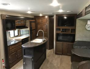 2017 Coachmen  Freedom Express Liberty Edition 320bhdsle