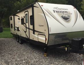 2017 Coachman  Freedom express 29se