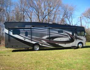 2016 2016 Thor Outlaw 37RB Motor Home