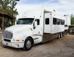 2006 Custom Coach Kenworth T-2000