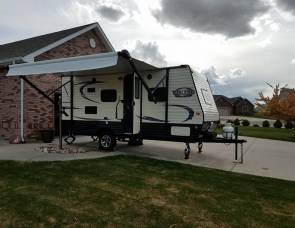 2017 Coachman Viking 17FQS