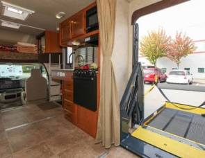 2017 Luxury Motor home Thor Ace 30.2