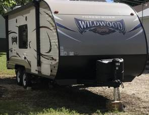 2017 Wildwood X-Lite Forest River Travel Trailer