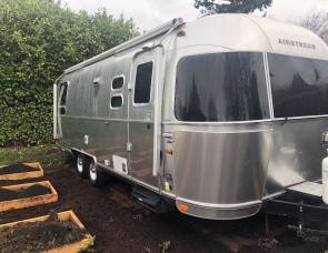 2014 Airstream International Signature Series