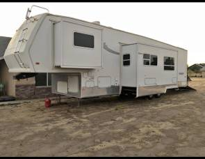 2004 Forest river F47