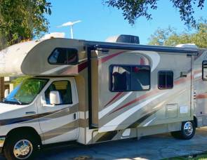 2016 Thor Four Wind 28Z 30ft Sleeps 8 Non Diesel