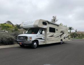 32' Coachman Leprechaun in Vista. 150 miles per day WOW!