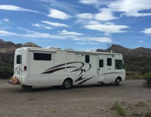 2003 National RV 5380 Workhorse