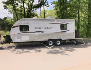 2013 Forest River Cherokee Grey Wolf 19RR