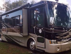 "2009 ""FREE MILES"" Luxury 40' Tiffin Pheaton"