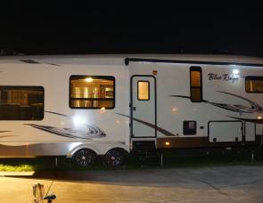 2015 Forrest River Blueridge 3775RL