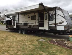 2017 Heartland Trail Runner SLE 320DK