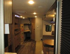 Coachmen Freedom Express